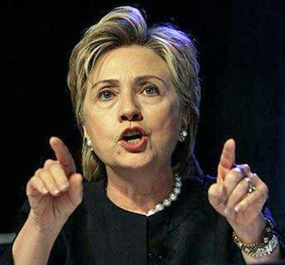 Hillary-Clinton-angry-pointing-fingers
